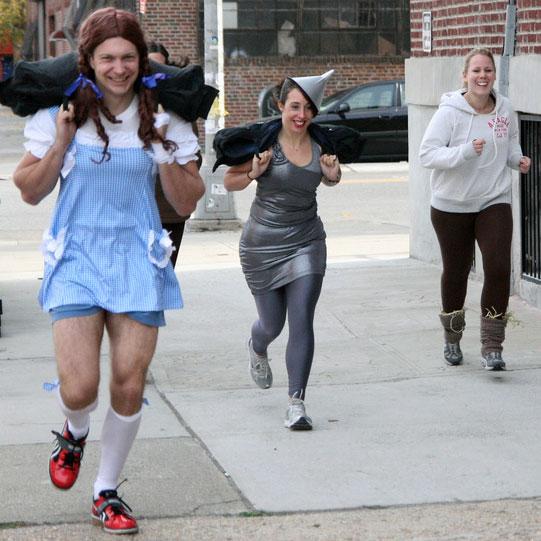 disfraz-halloween-crossfit-alicia-pais-maravillas-ojalata-dorothy-infowod-fitness